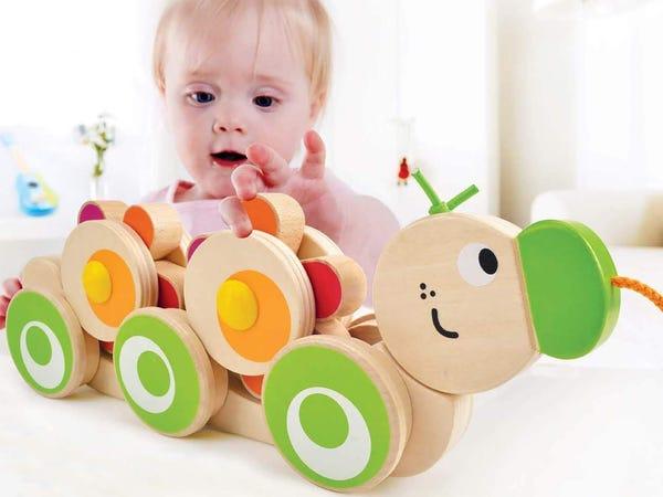 3 idei de activități care consolidează abilitățile motorii grosiere ale bebelușilor